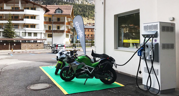 Energica-Alperia-Fast-Charge_crop