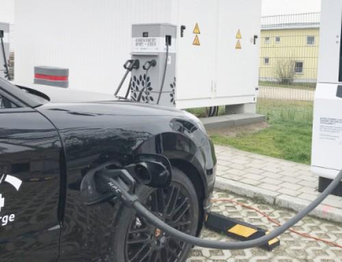Efacec bate recorde e recarrega um Taycan a 400 kW